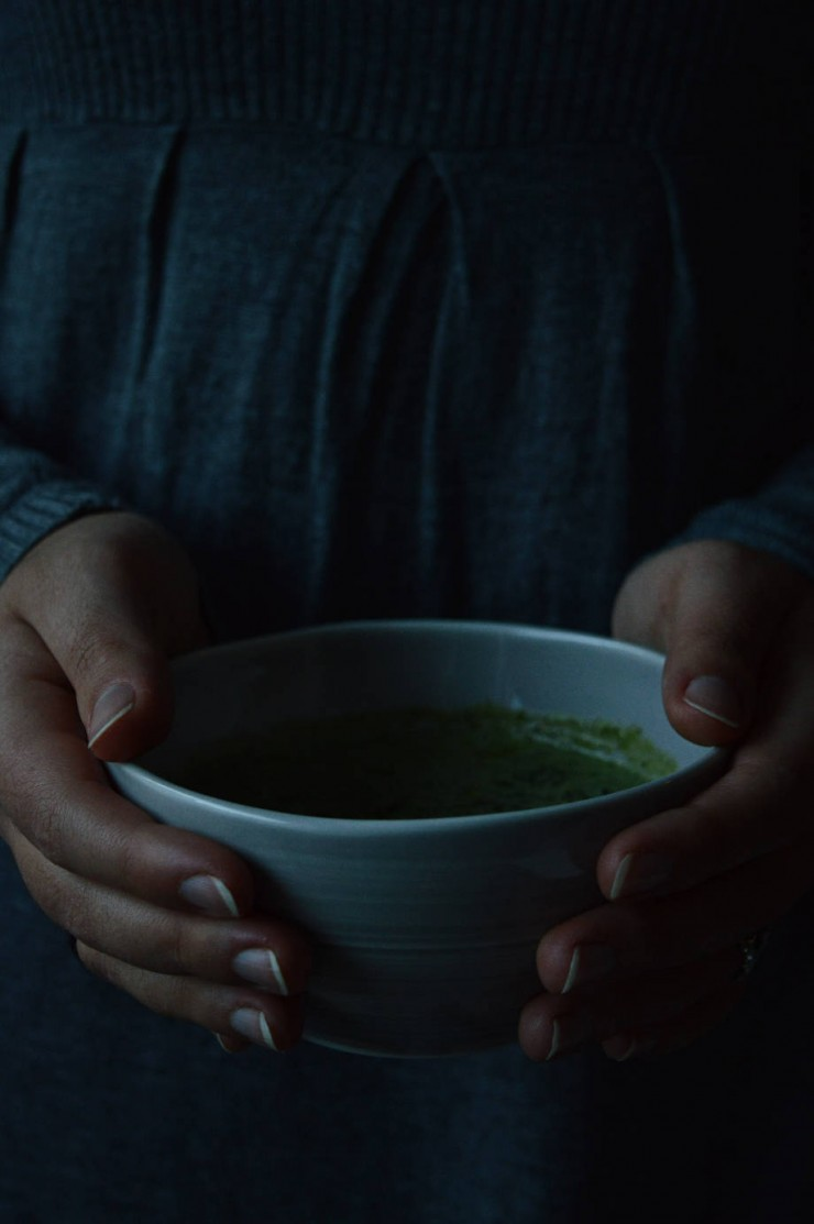 Nettle soup recipe in Pentik ceramics