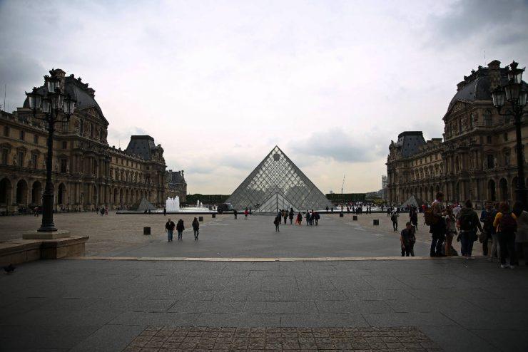 Finding the spirit of Paris - a mini guide | Due fili d'erba | Two blades of grass | Thais FK | Louvre