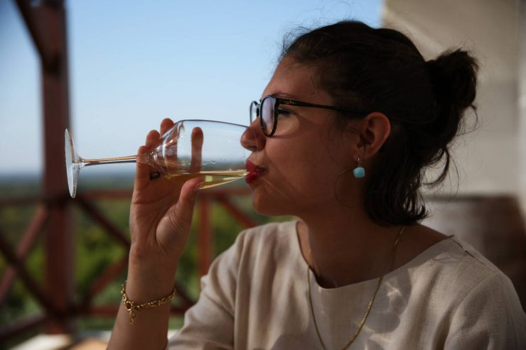 Wine tasting at A serenada enoturismo, wine tourism in Portugal | Read the full review on Due fili d'erba | Two blades of grass | Thais FK