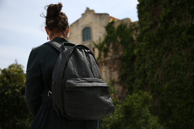 Ludwig, the pineapple leaf fiber backpack | #LUDWIGontour in Vila Nova de Milfontes, Alentejo, Portugal | Piñatex™ | Ina Koelln on Due fili d'erba | Two blades of grass | Made in Portugal | Thais FK | #tkabroad
