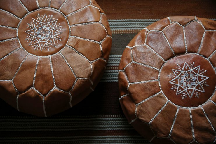Our sustainable living room | Moroccan poufs | on Due fili d'erba | Two blades of grass | Zoco Home