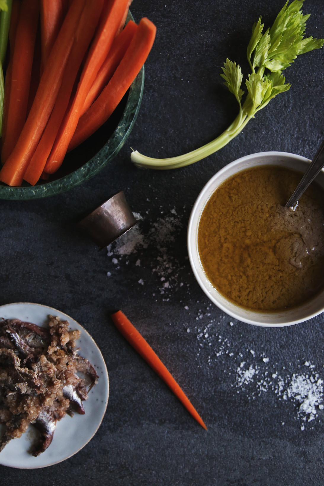 Bagna cauda, the Piedmontese anchovy dip   on Due fili d'erba   Two blades of grass   Recipe, styling and photography by Thais FK   Bagna Cauda Day 2016
