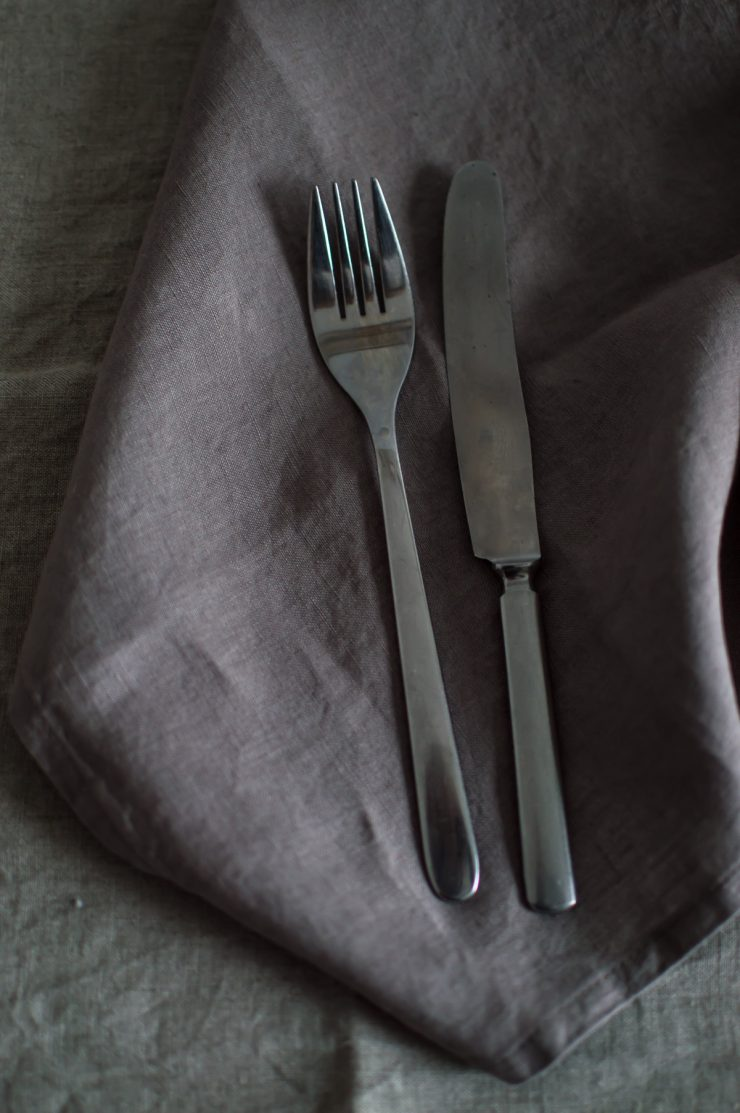Linen napkin and linen table runner | by Son de flor