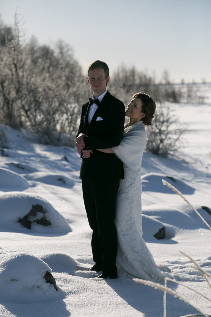 Winter Wedding Shoot in Oulu, Finland | on Due fili d'erba | Two Blades of grass | Photography by Thais FK