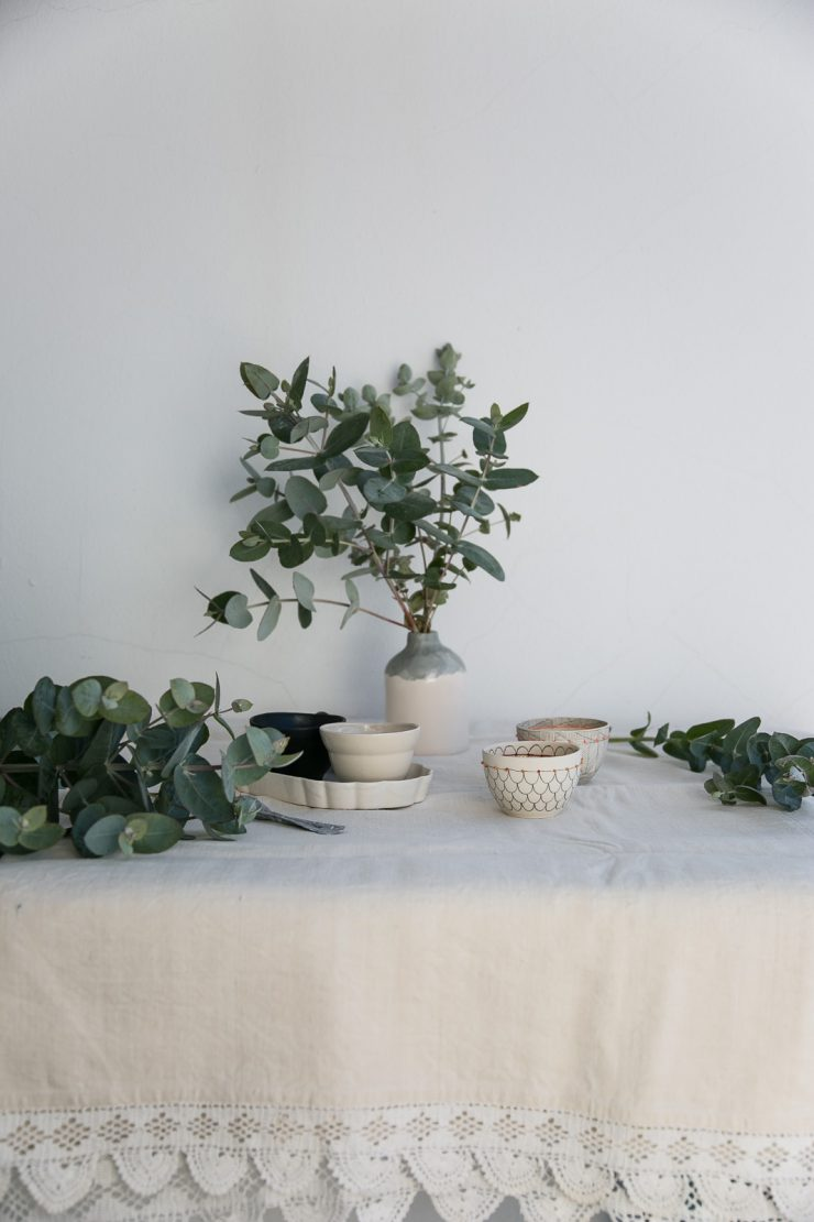 Easy eggless rosemary chocolate mousse   Recipe oon Due fili d'erba   Two Blades of grass   Photo, styling and recipes by Thais FK   Ceramics by Anna Westerlund