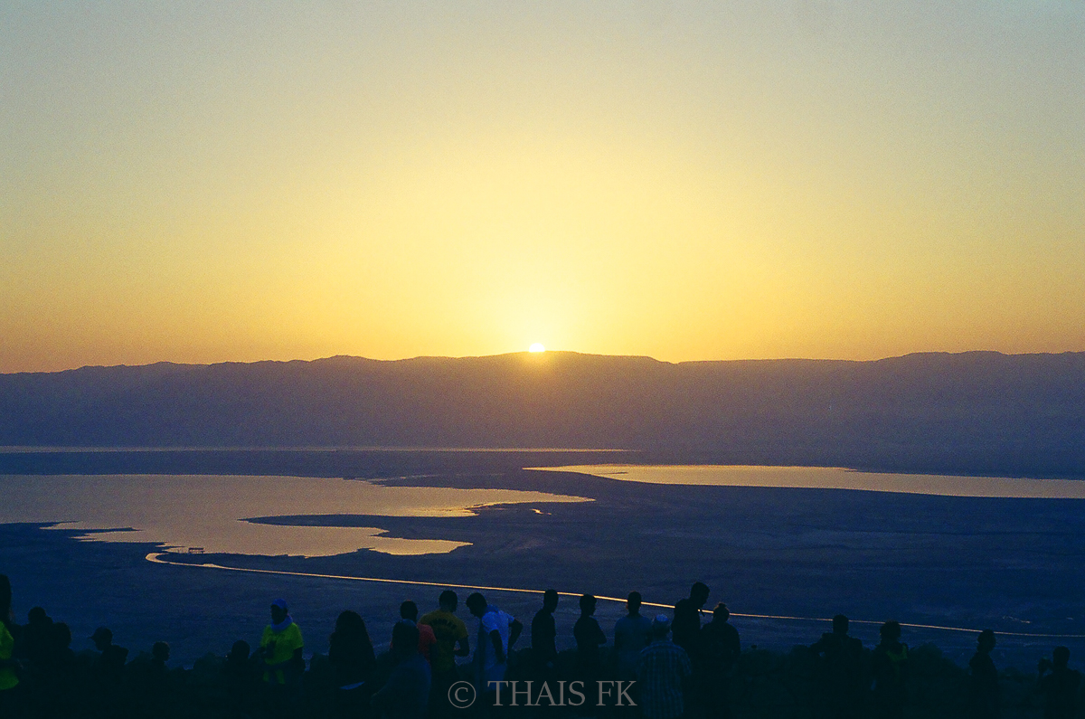 Masada sunrise, Eing Gedi & Dead Sea Tour by Tourist Israel | on Due fili d'erba | Two blades of Grass | Photos by Thais FK & Klaus K.