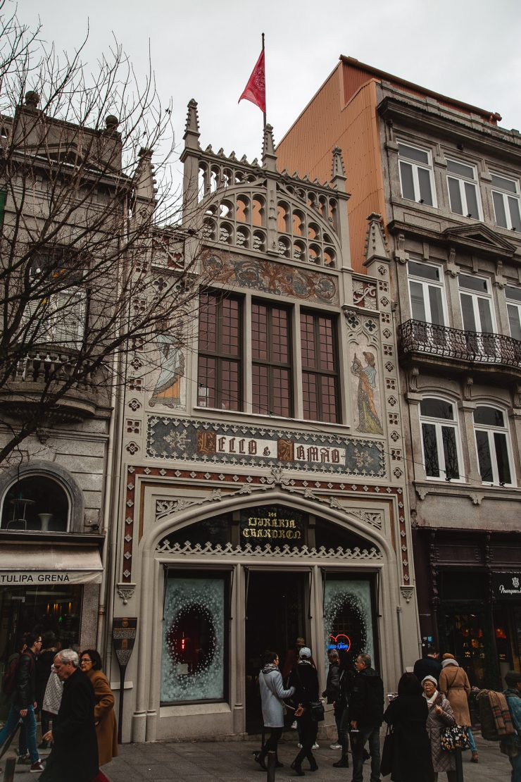 Livraria Lello, Lello Library, Porto, Portugal - A one day Travel Guide on The Adagio Blog, by Thais FK